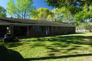 4612 county road 18, damon, TX 77430