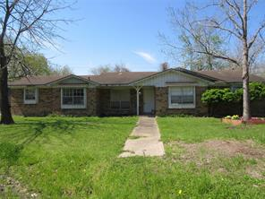 402 Lyndale Drive, Highlands, TX 77562