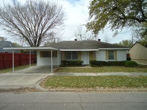 903 s 7th street, baytown, TX 77520