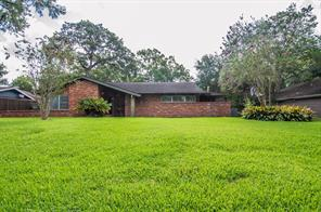 8107 glen valley drive, houston, TX 77061