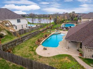 1814 Sandy Lake Drive, Friendswood, TX 77546