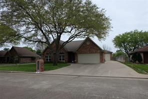 108 Larkspur, Alvin, TX, 77511