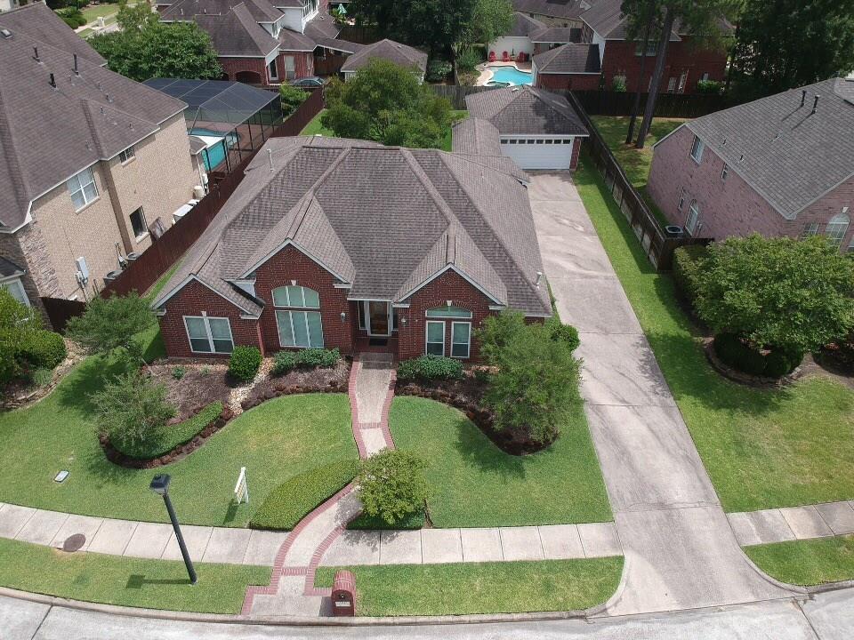3207 Wilshire Lane, Baytown, TX 77521