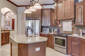 All stainless appliances, walk in pantry with light.