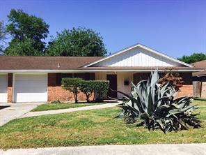 315 viceroy drive, houston, TX 77034