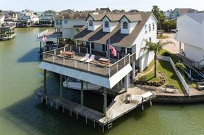 904 Short Reach, Tiki Island, TX 77554