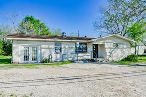 313 e powell street, willis, TX 77378