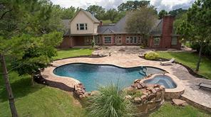105 garden drive, friendswood, TX 77546