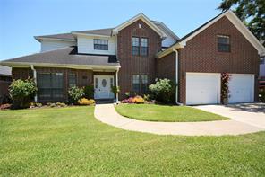 110 scarlet oak street, lake jackson, TX 77566