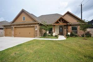 304 creekside lane, lake jackson, TX 77566