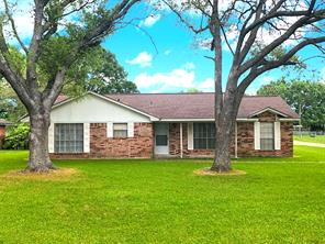 802 holly drive, highlands, TX 77562