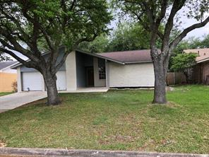 11422 gnarlwood drive, houston, TX 77089