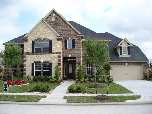 REDUCED $$ FOR QUICK SALE) - 6BR/4BA/3 on cozy, cul-de-sac in beautiful Fall Creek. Golf Club of Houston/home to Shell Houston Open! Executive home freshly painted exterior and interior, perfect for entertaining, boasts wide entry, HUGE bedrooms, huge walk in closets, entertainer's kitchen, sunroom, impressive media room w/dry bar, wood 1st floor, framed mirrors, dual staircases, artisan-painted walls/niches, huge backyard and more. Includes pool table, family room entertainment center, media room furniture & equipment, refrigerator, washer, dryer and upright freezer. Community rec ctrs, pools, tennis courts, miles of hike/bike trails and parks! 20 mins to downtown.