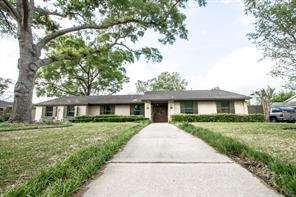 3790 kenwood drive, beaumont, TX 77706