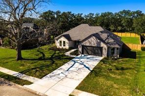 701 Heritage Oaks Drive, Angleton, TX 77515