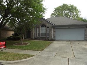Houston Home at 1811 E Oakwood Drive Pearland , TX , 77581 For Sale