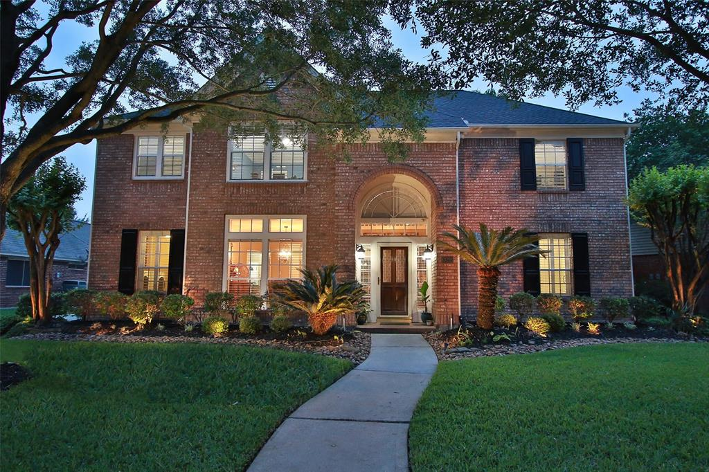 Stunning Perry Executive home, grand and spacious.