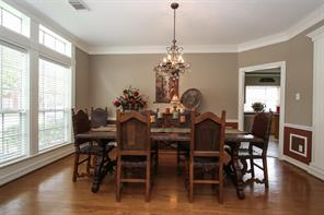 Formal dining perfect for formal or casual dining.