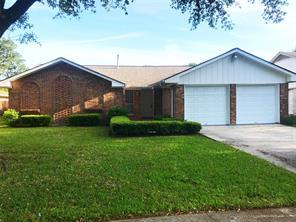 902 sunnybrook lane, baytown, TX 77521