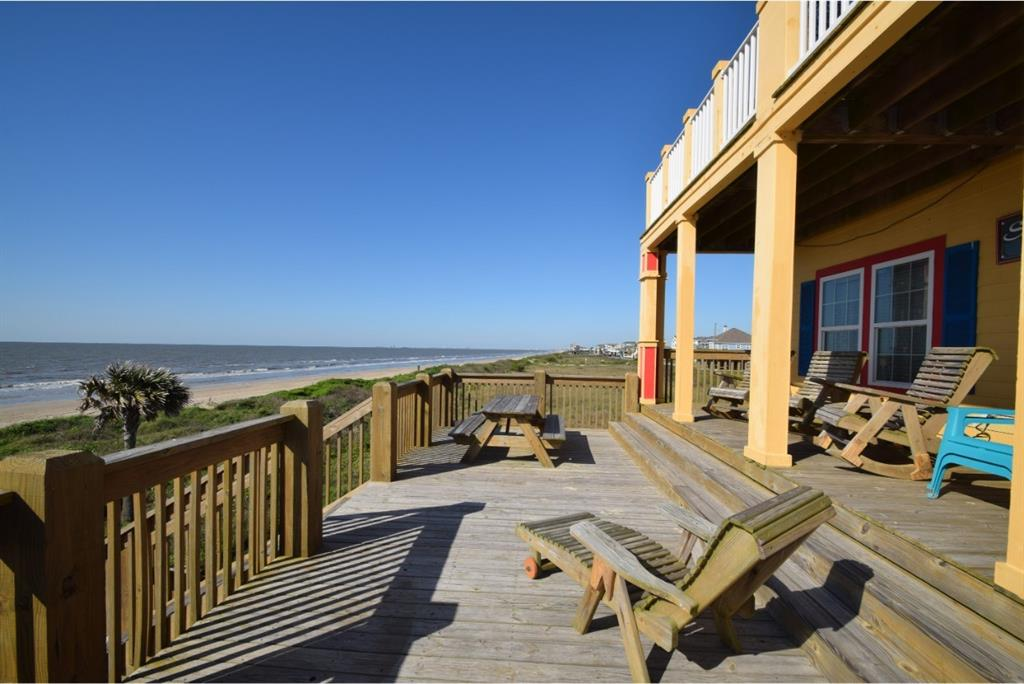 801 West Lane, Crystal Beach, TX 77650
