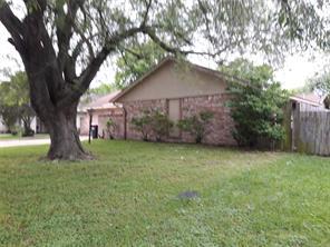 1022 Castolan, Houston TX 77038