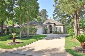 Charming 1-story Bailey Custom home located in the wonderful golf-course community of Walden!