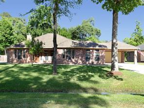 822 Garrett Drive, Magnolia, TX 77354