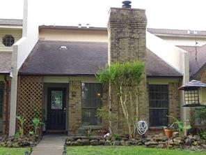 6 wellington park, baytown, TX 77520