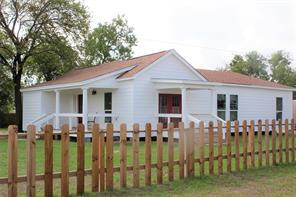 708 East Texas Street, Calvert, TX 77837