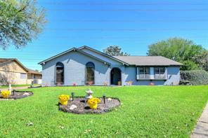 2205 E Shannon Street, Deer Park, TX 77536