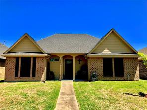 113 Silverbell, Lake Jackson TX 77566