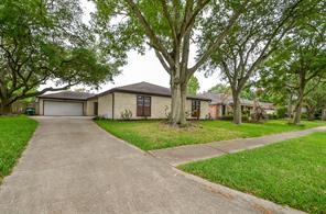15522 Seahorse Drive, Houston, TX 77062