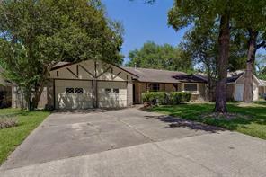 14203 woodforest boulevard, houston, TX 77015