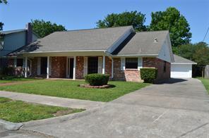 3905 trailwood drive, baytown, TX 77521