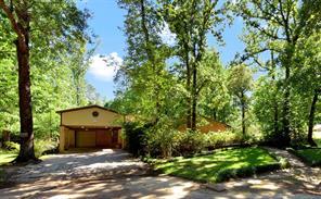 265 Thunderbird Court, Panorama Village, TX 77304