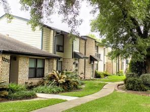 12733 leader street, houston, TX 77072