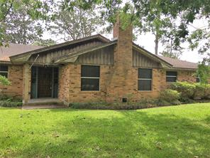 114 County Road 14, Liverpool, TX 77577
