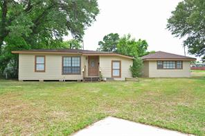 55 vinca court, lake jackson, TX 77566