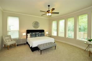 Big master bedroom that will fit all your furniture