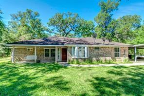 18302 River Oaks, Damon TX 77430