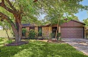 14010 hollow pines court, houston, TX 77049