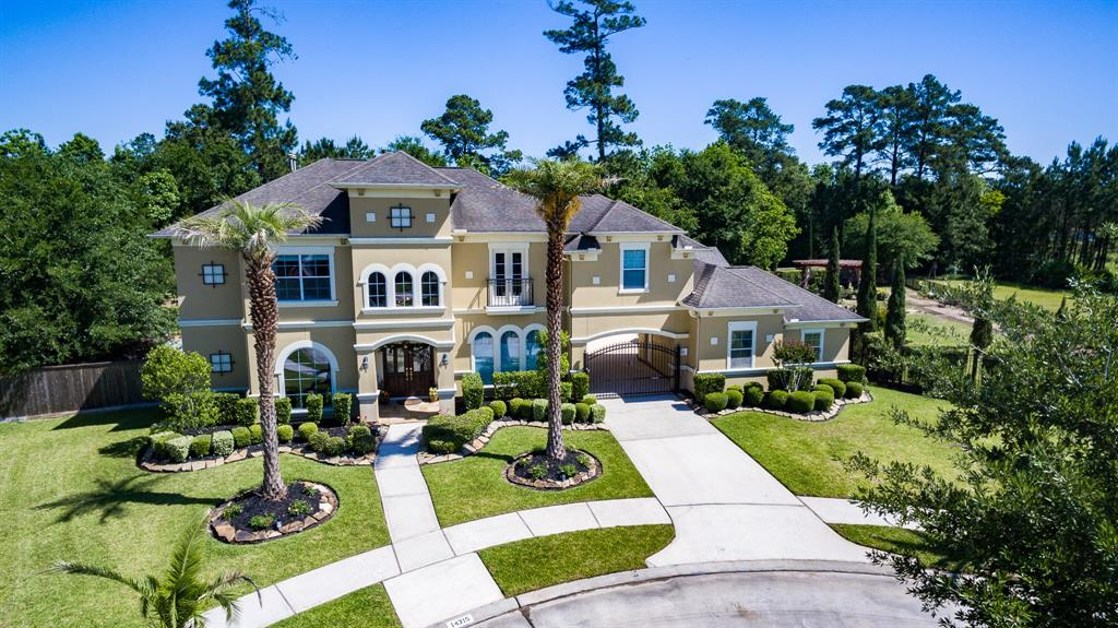 "STUNNING MEDITERRANEAN AT THE END OF A CUL-DE-SAC ON 16TH FAIRWAY OF THE PRESTIGIOUS GOLF CLUB OF HOUSTON GOLF COURSE.ON .6 OF AN ACRE,THE GARDEN BOASTS 176 FT. ADJACENT TO THE GOLF COURSE GIVING GORGEOUS VIEWS.THE GOLF CART TRACK AND GOLF BALLS ARE WELL AWAY FROM THE HOUSE AS ARE THE NEIGHBORS!LAST YR, A 504SQ. FT. OUTDOOR KITCHEN/PATIO WAS ADDED, WITH INSULATED VAULTED CEILING,GAS FIRE PLACE,HEATERS,FANS, TRAVERTINE,GRANITE,STAINLESS GRILL AND WONDERFUL VIEWS ACROSS THE GOLF COURSE.3½ BTHS,4 BDRMS.MASTER HAS A FIRE PLACE AND READING AREA,BTHRM WITH GARDEN TUB, OVERSIZED SHOWER,GRANITE COUNTERTOPS,CRYSTAL CHANDELIER AND VANITY LIGHTS,STUDY,LIVING ROOM WITH AUSTIN STONE FIRE PLACE,KITCHEN WITH STAINLESS APPLIANCES,GRANITE,52"" CABINETS,GAMERM,MEDIA ROOM,FORMAL DINING AND A BONUS ROOM LEADING OUT ON TO THE NEW PATIO!SECOND COVERED PATIO ACCESSIBLE FROM THE MSTR AND BRKFST ROOM. THE GARDENS LANDSCAPED WITH A MYRIAD OF PATHS AND FLOWER BEDS PLUS A GARDEN CHESS SET WHICH IS LIT AT NIGHT."