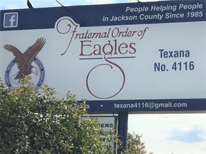 914 w main street, edna, TX 77957