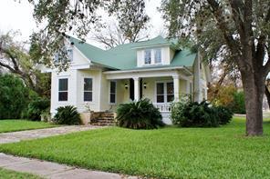 723 saint george street, gonzales, TX 78629
