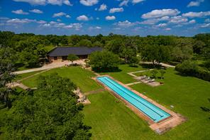 558 hanson road, west columbia, TX 77486