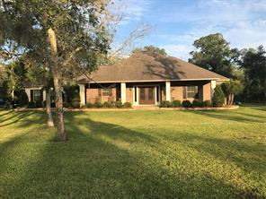 32403 bayou bend, richwood, TX 77515