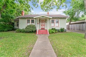 623 walnut street, columbus, TX 78934