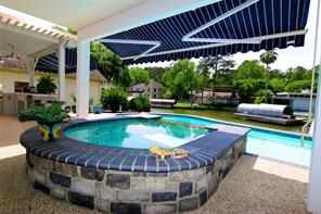 Waterfront 4/3/2 with pool in Waden on Lake Conroe.