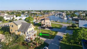 723 Pine Road, Clear Lake Shores, TX 77565