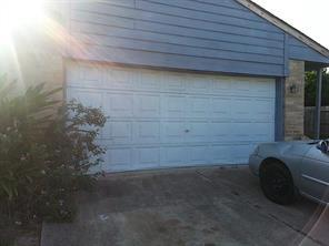 4219 alief village drive, houston, TX 77072